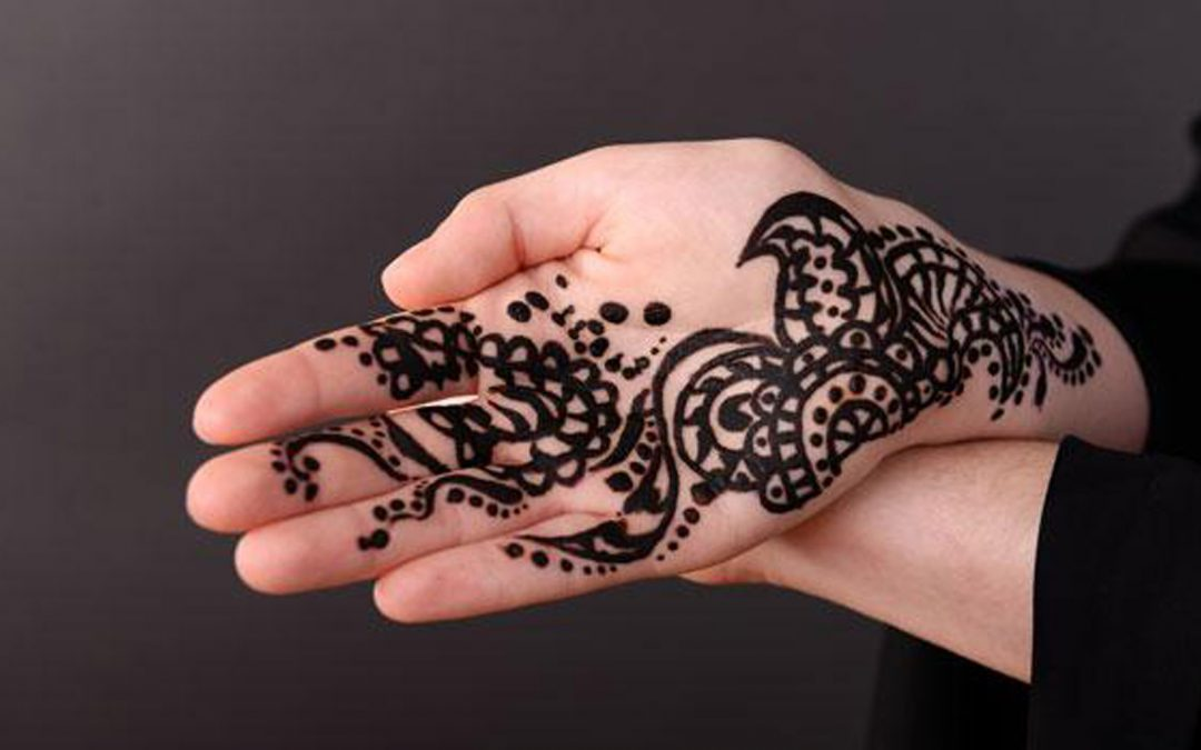 Child has severe reaction to 'Black Henna' whilst on holiday – find out the truth about Henna